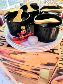 Les 4 lumis raclette à la bougie + 4 assiettes intégrés